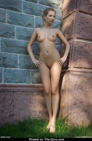 Image. Nude nice girl pic