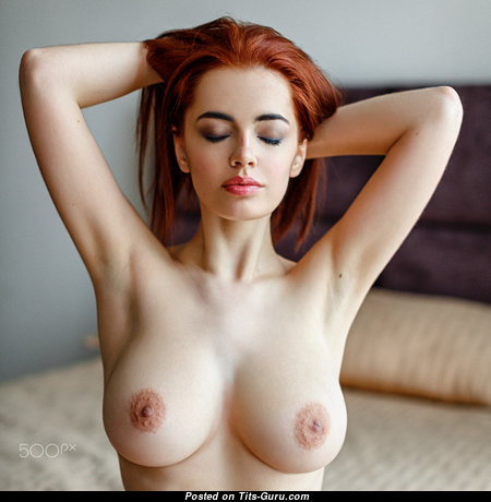 Nice Babe with Nice Bare Real Titty (Hd Xxx Picture)