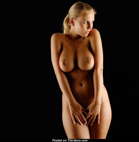 Sweet Nude Babe (Hd Sexual Photo)