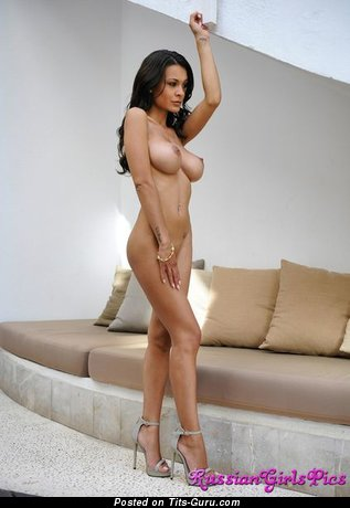 Image. Ela Savanas - amazing female with natural tots photo