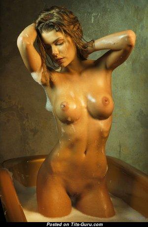 Anjou - Splendid Wet Undressed Brunette (Sexual Photo)