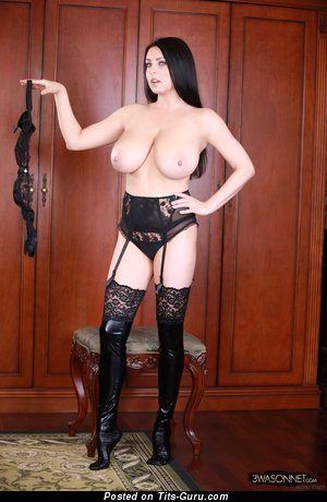 Image. Ewa Sonnet - nude brunette with huge natural boob picture