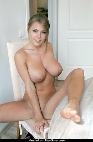 Lovely Babe with Lovely Bare Natural C Size Busts (Hd Sex Image)