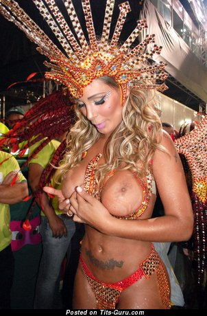 Andressa Urach - Appealing Brazilian Blonde with Appealing Defenseless Round Fake Tight Tittys (Hd Sexual Foto)