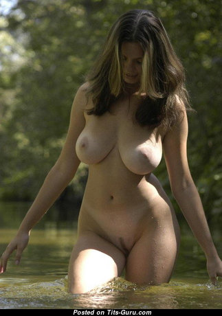 Kayleigh Williams: sexy naked brunette with natural breast & big nipples image