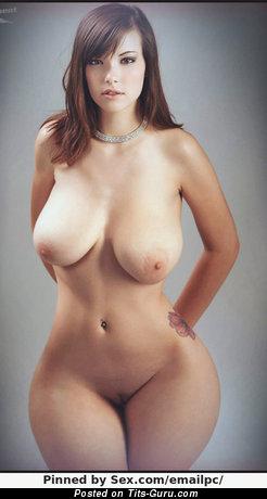 Изображение. Фотка офигенной обнажённой женщины с большой натуральной грудью