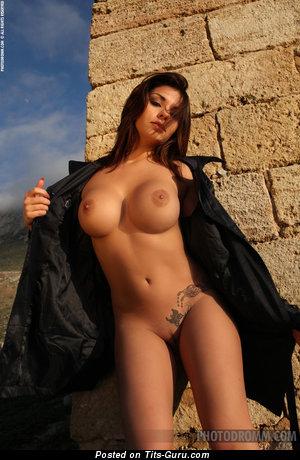 Изображение. Krystal Webb - фотка офигенной голой девушки с среднего размера силиконовыми сисечками
