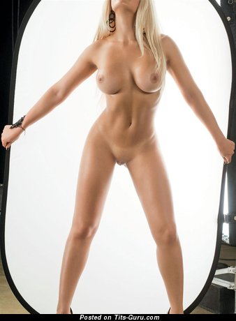 Naked beautiful lady with medium tittys image