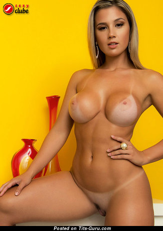Vanessa Vailatti - Pleasing Brazilian Moll with Fascinating Open Round Fake Average Tits (Sex Photoshoot)