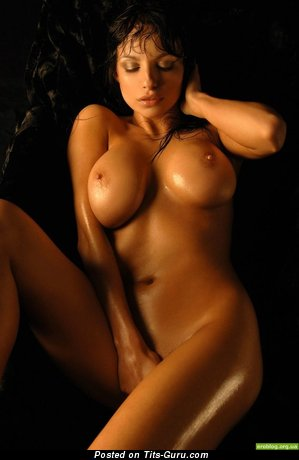 Sexy Wet Brunette with Sexy Bald H Size Boobs & Tan Lines (Sexual Photo)