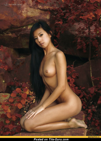 Image. Naked nice female with medium natural tittys picture