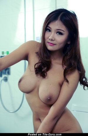 Image. Naked amazing lady with medium natural tittes image