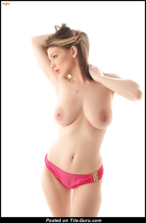 Pretty Undressed Babe (18+ Picture)