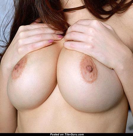 Wonderful Glamour Babe with Wonderful Naked Natural Medium Chest & Red Nipples (Xxx Pix)