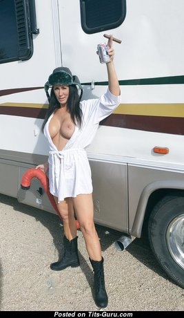 Reagan Foxx - Wonderful American Red Hair Pornstar with Fine Defenseless Fake Boobys is Undressing (Hd Porn Foto)