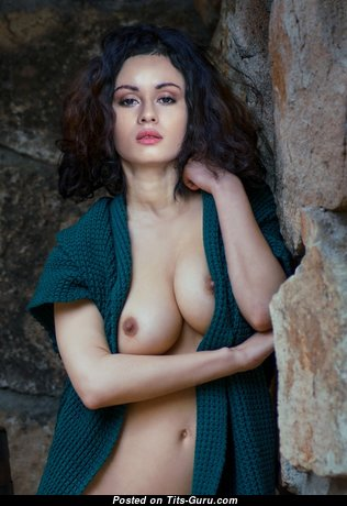 Lovely Babe with Lovely Nude Real Dd Size Tittys (Hd Sex Picture)