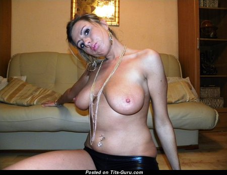 Charming Blonde Babe with Charming Defenseless Natural Boobys (Amateur Hd Xxx Pic)