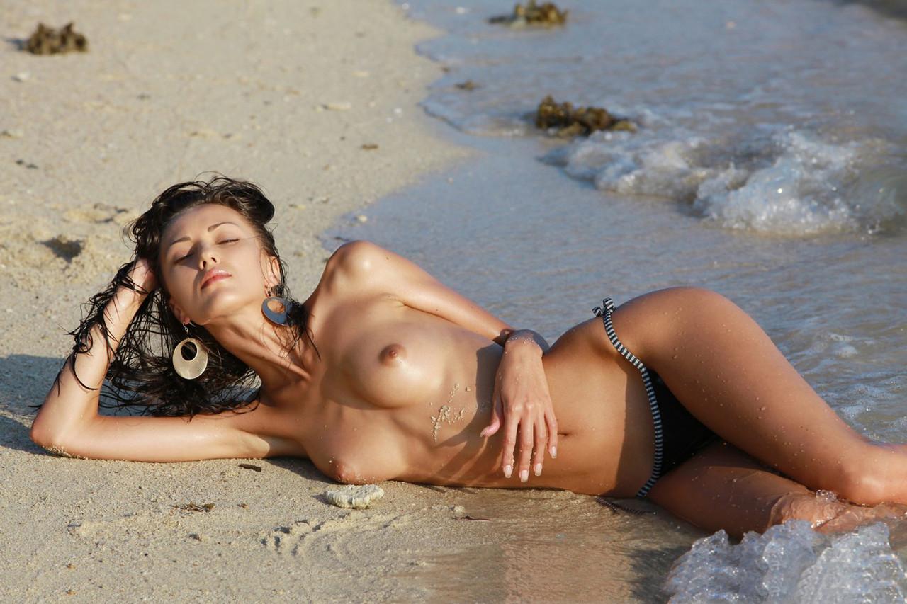 Широкоформатные фото голых девушек 30 фотография