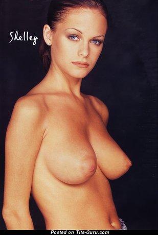 Изображение. Shelly Goodair - изображение обалденной раздетой девахи с средними натуральными сисечками