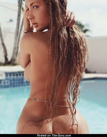 Niykee Heaton: sexy naked red hair with fake breast pic