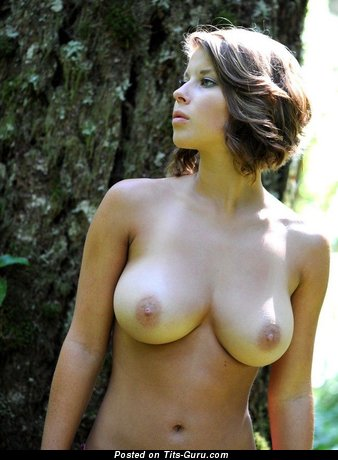 Image. Scarlett Johansson - nude hot woman with medium natural breast pic