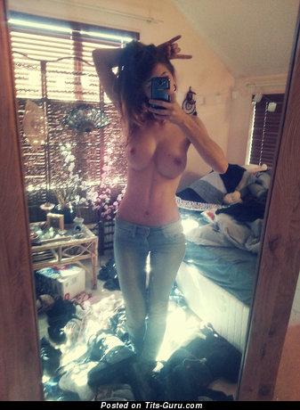 Изображение. сиськи фото: селфи, брюнетки, большие сиськи, джинсы, зеркало, hd