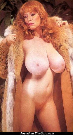 Robyn Hilton - Nice American Red Hair Babe with Nice Bald Real Mega Titties (Vintage Sexual Pix)