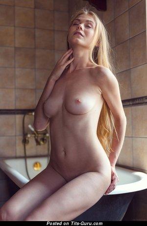 Nude amazing girl photo