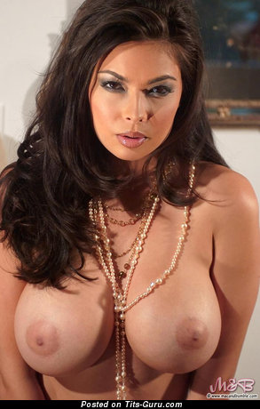 Tera Patrick - Handsome Topless American Brunette Babe with Handsome Bald Average Knockers & Erect Nipples (Sex Wallpaper)