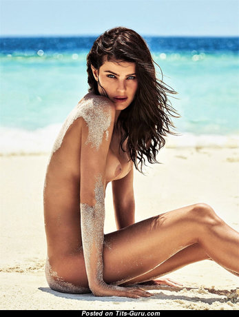 Isabeli Fontana - Sweet Latina Red Hair with Sweet Naked Real Titty & Tan Lines on the Beach (Hd Xxx Foto)