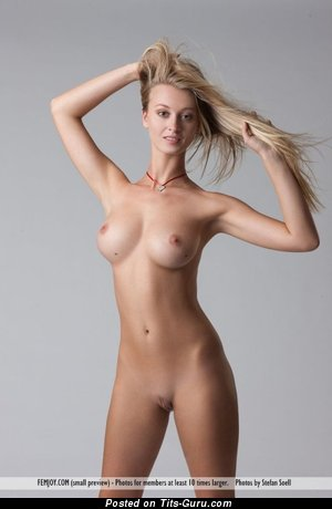 Cute Unclothed Blonde Babe with Big Nipples (18+ Photoshoot)
