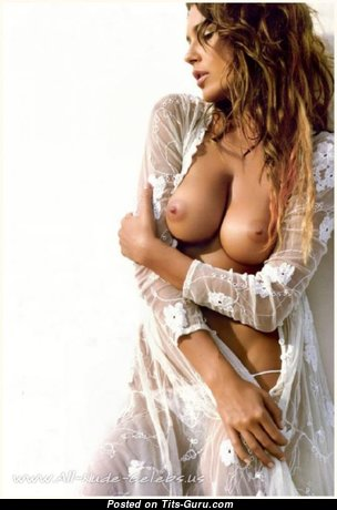 Alena Seredova - Perfect Czech Red Hair with Perfect Open D Size Tit in Lingerie (Xxx Image)