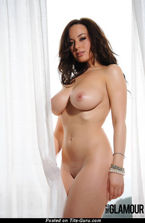 Image. Lindsey Strutt - sexy nude brunette with medium natural tits pic