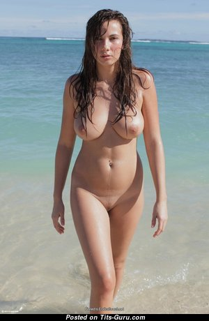 Beautiful Babe with Beautiful Bald Real Tight Chest on the Beach (Hd Xxx Pix)