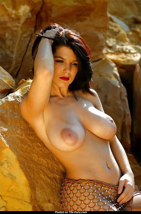 Greta Istvandi Nude