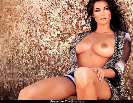 Manuela Arcuri - naked brunette with medium natural boobs pic