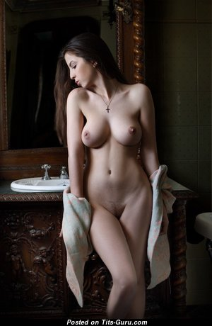 Marvelous Babe with Marvelous Bald Real Average Tit (Porn Picture)