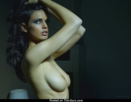 Image. Nude hot woman with medium natural breast picture