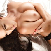 Hot Babe with Hot Naked Natural Soft Tittys (Sexual Picture)