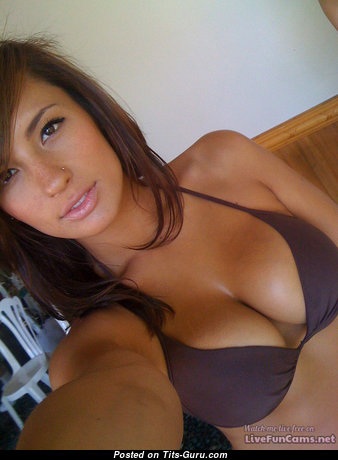 Exquisite Brunette Babe with Exquisite Bare Natural Boobie (Selfie Sexual Photoshoot)