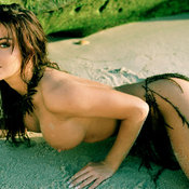 Carmen Electra - sexy brunette with big tittys picture