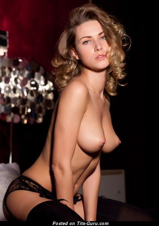 Image. Nude hot woman with natural tittys image