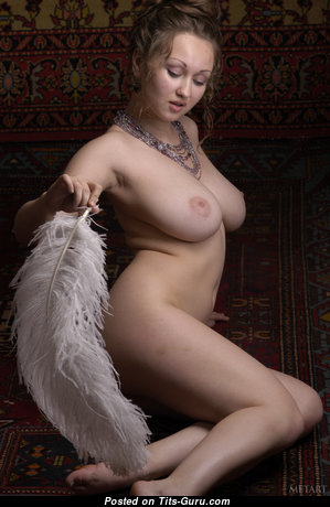 Aneli A - The Nicest Glamour Blonde with The Nicest Exposed Natural Med Tittys (Hd Xxx Picture)