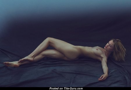 Image. Naked awesome lady with medium natural tittys picture