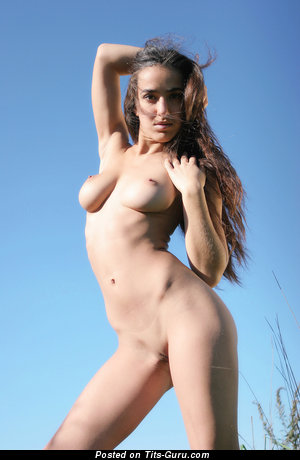 Image. Wonderful girl with natural tittys picture