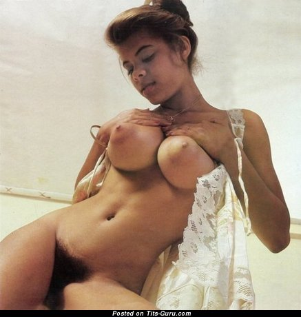 Appealing Gal with Handsome Naked Great Melons (Xxx Foto)