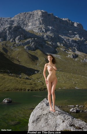 Image. Naked brunette with big natural tittes picture