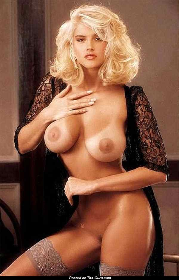 Anna Nicole Smith - Naked Asian Blonde With Medium Boob -9031