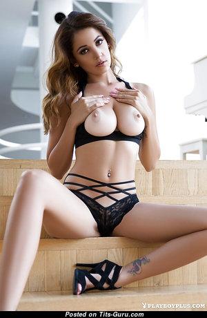 Appealing Naked Playboy Babe (Xxx Wallpaper)