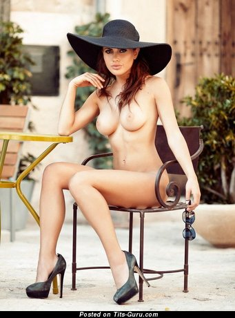 Image. Naked beautiful girl photo